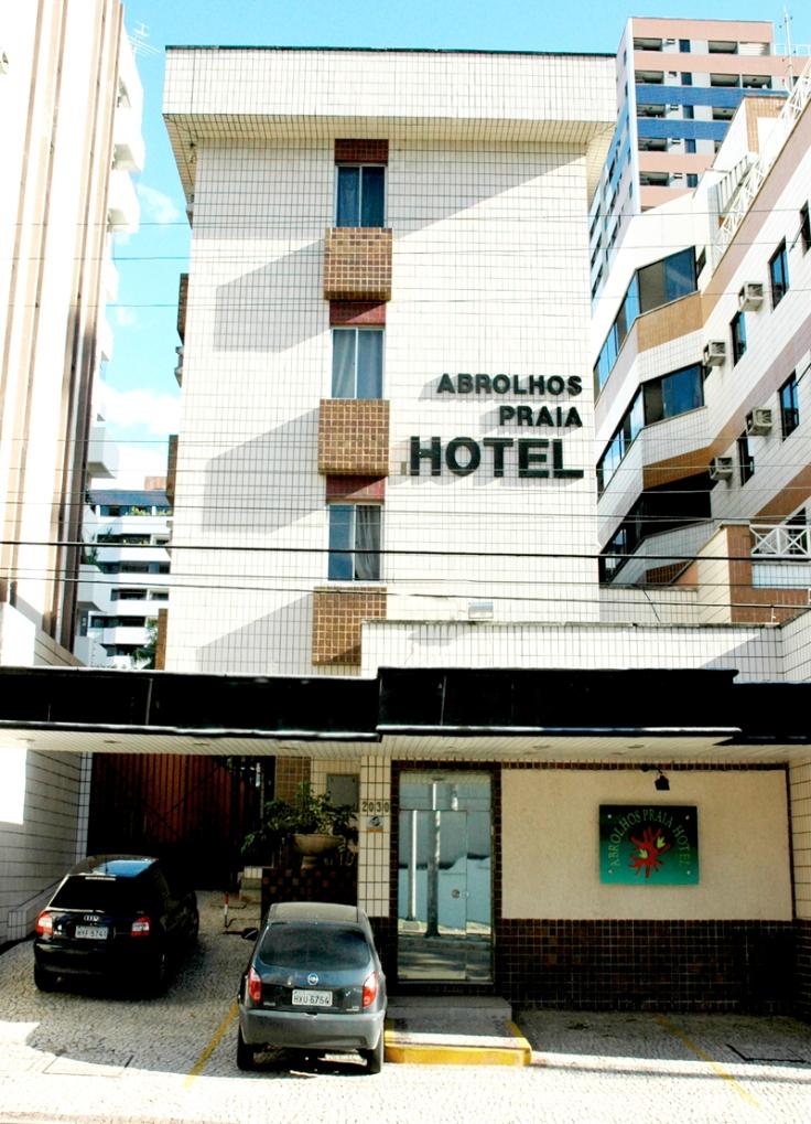 Fachada-hotel-abrolhos
